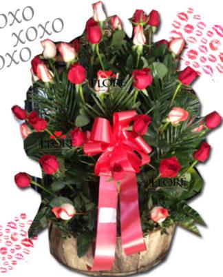 arreglo-de-rosas-hugs-and-kisses