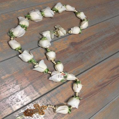 Rosario fúnebre de rosas