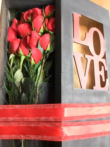 Románticas Rosas rojas con Chocolate